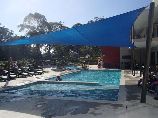 Middle Rock Holiday Resort: Resort Pool