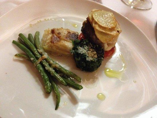L'Osteria del Vignaiolo : Fisch mit Spargel, Spinat und Kartoffeln