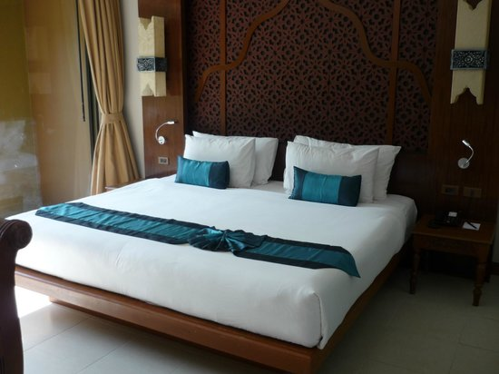Rawai Palm Beach Resort : chambre