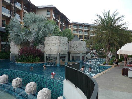 Rawai Palm Beach Resort: Piscine