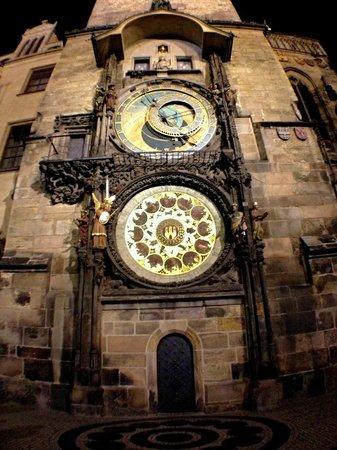 Mysterium Tours : Prague Astronomical Clock at night