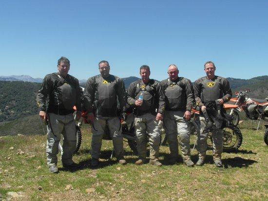 Riders of the Lost Trail - Rutas todoterreno guiadas en moto: Hot Sweaty and Very Happy