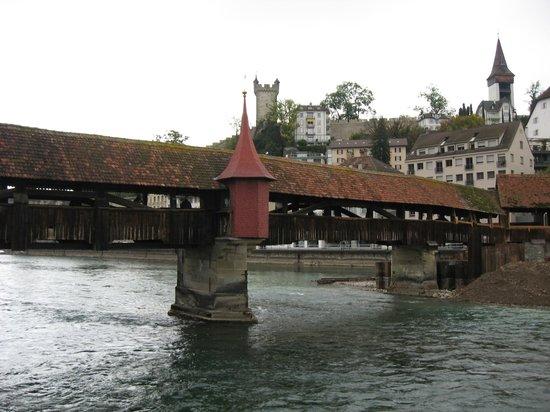 Tourist Hotel: мост Штройербрюкке