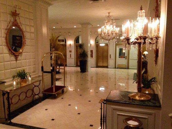 Warwick New York: Beautiful lobby