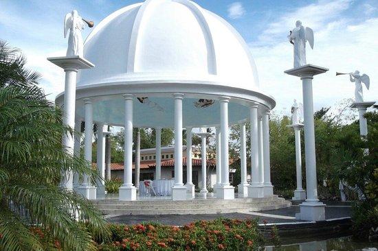 Melia Caribe Tropical: Беседка для romantic dinner