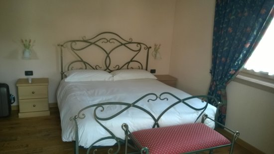 Hotel Pontiglia: Camera