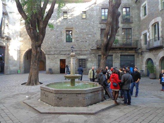 SANDEMANs NEW Europe - Barcelona: Wandering around Barcelona