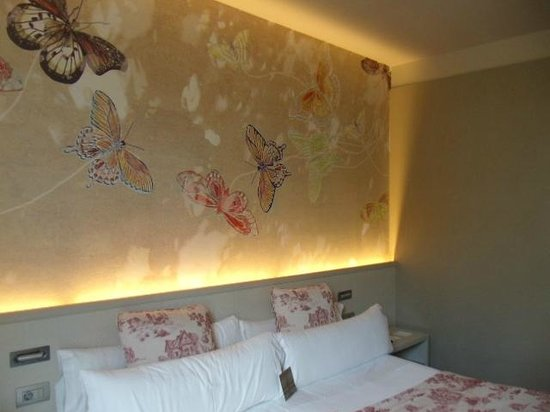 Hotel Duquesa de Cardona: Notre chambre B22. Petit apperçu de la douceur de nos nuits!!!!!