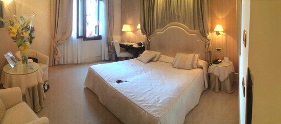 Hotel a La Commedia: Standard room