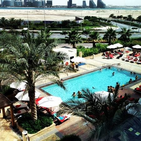 Centro Yas Island Abu Dhabi by Rotana : View from the room overlooking the pool.