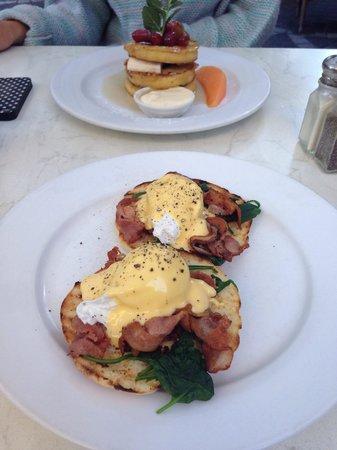 Mecca: Eggs Benedict with bacon