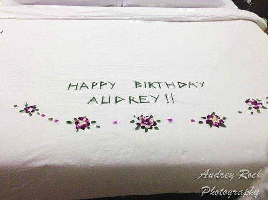 Novotel Phuket Kata Avista Resort and Spa : They decorated the bed for my birthday