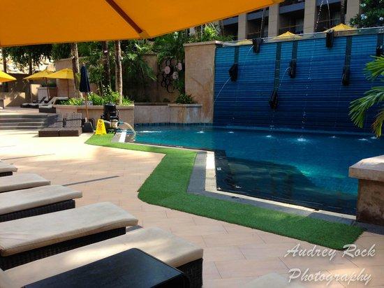 Novotel Phuket Kata Avista Resort and Spa: Lower pool area