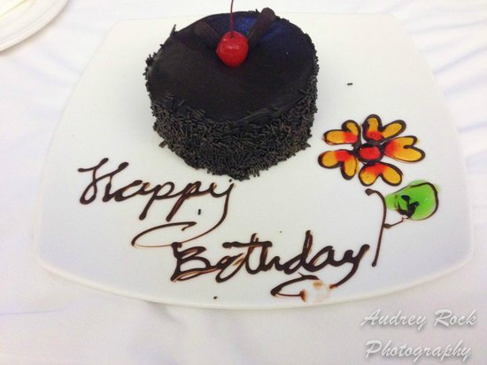 Novotel Phuket Kata Avista Resort and Spa: My beautiful and delicious cake the hotel surprise me with in my room :)