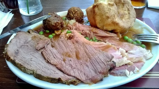 Killingworth Arms: i never normally have beef on a carvery,but this is the best you can get.