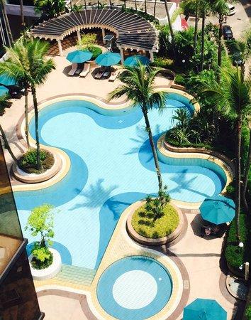 Grand Millennium Kuala Lumpur: The pool