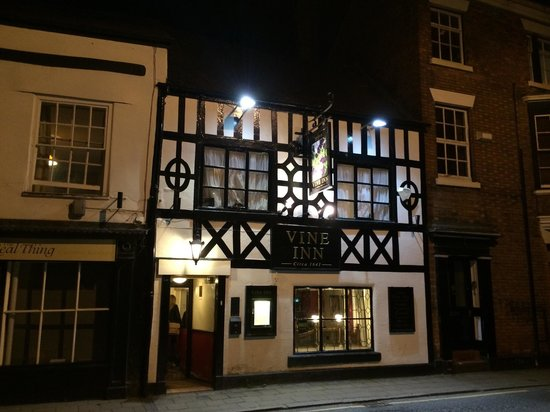The Vine: Frontage at night