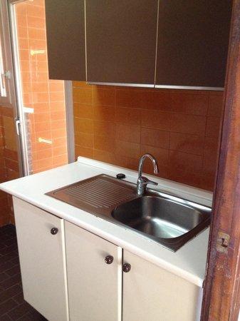 Apartamentos Maryciel : Kitchen