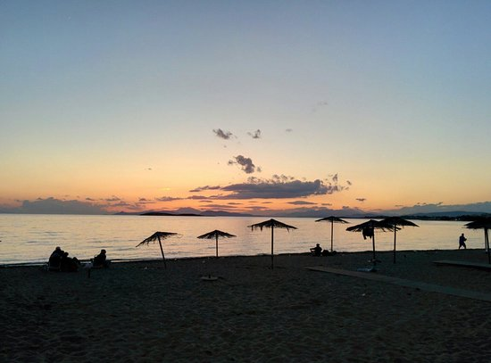 Divani Apollon Palace & Thalasso: The beach in front of the hotel