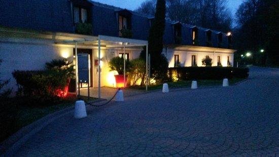 Novotel Chateau de Maffliers : esterno hotel