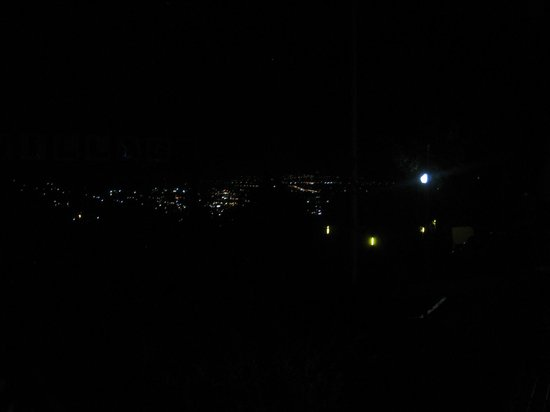Village Family Motor Inn: Night lights