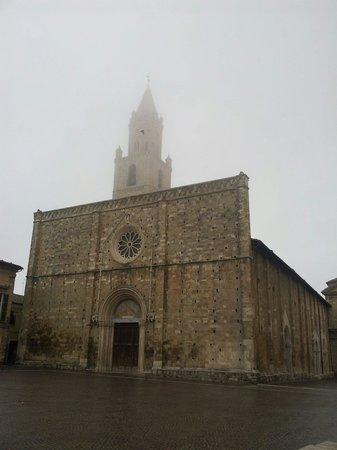 Cattedrale Basilica S. Maria Assunta di Atri: La cattedrale