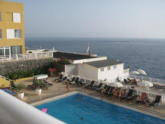 Atlantic Holiday Hotel: Pool og udsigt