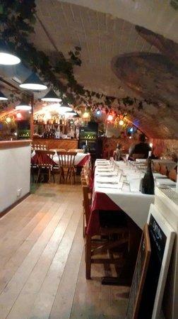 La Caverna: Downstairs bar.