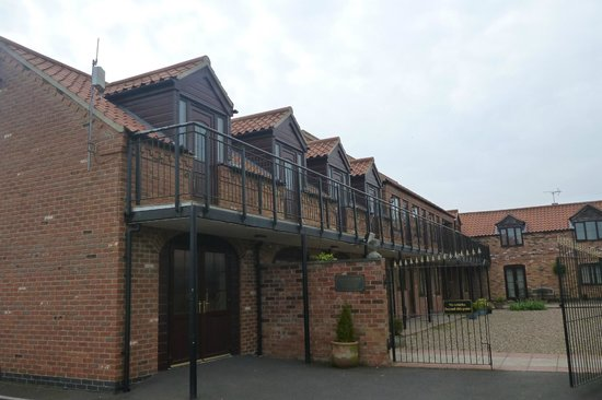 Norton Lodge Hotel & Conference Centre: Courtyard