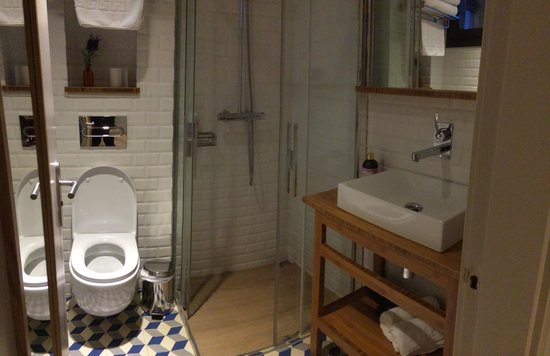 Bathroom Room Number 3 Picture Of Casa Bella Gracia Barcelona Tripadvisor