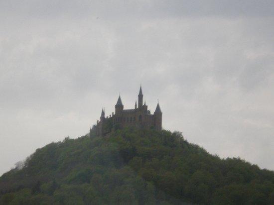 Castle of Hohenzollern: avvicinamento