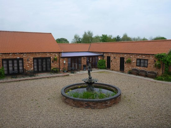 Norton Lodge Hotel & Conference Centre : Courtyard