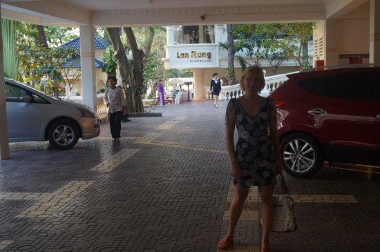 Lan Rung Beach Resort & Spa: парковка
