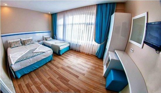 Star Holiday Hotel: Triple room