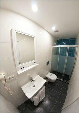 Star Holiday Hotel: bathroom