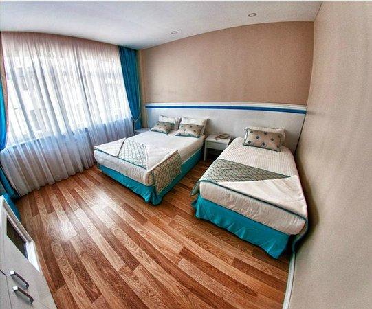 Star Holiday Hotel: twin room