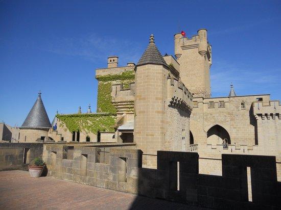 Palacio Real de Olite: El castillo