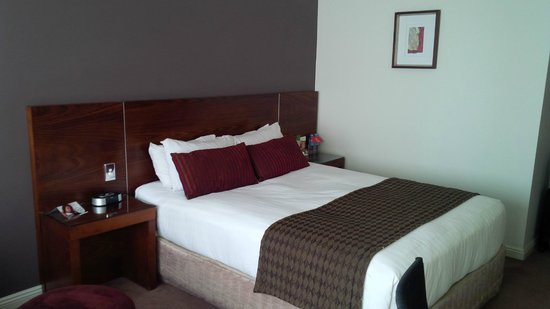 Rydges Melbourne Hotel: Deluxe Queen Room