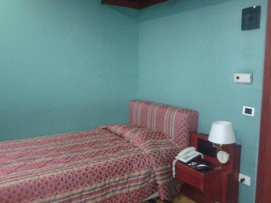 Hotel Galles : letto