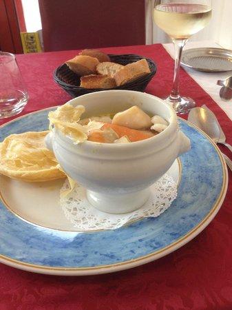 La Musardiere : Cocotte de poissons  et  émincés de légumes
