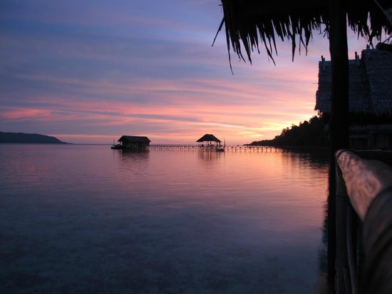 Papua Explorers Resort: sunset view from room (not photoshopped!)