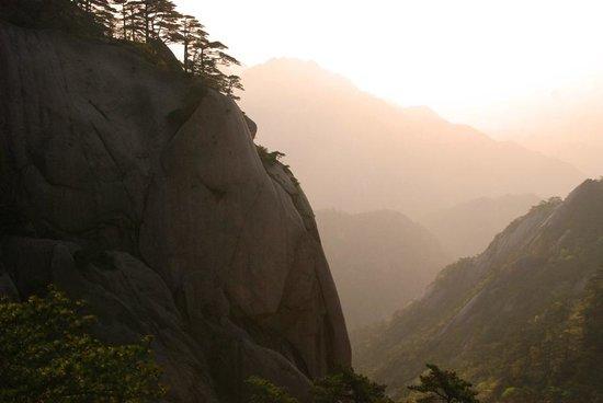 Mt. Huangshan (Yellow Mountain): Morning