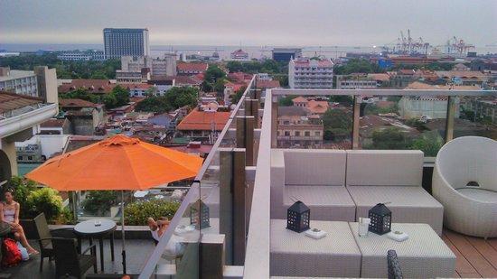 Sky Deck at The Bayleaf Hotel: take 1