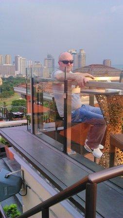 Sky Deck at The Bayleaf Hotel: take 2