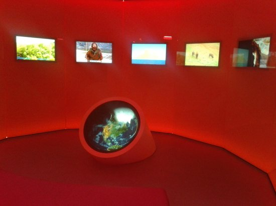 Museo de Prehistoria y Arqueologia de Cantabria: Excellent heat sensitive video showing the impact of the ice ages
