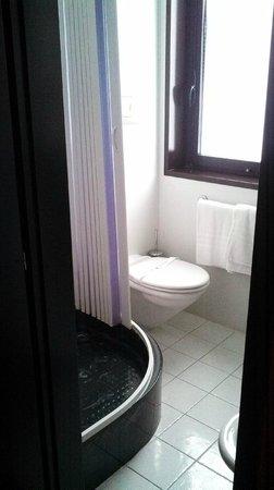 Hotel Berlino: salle de bain