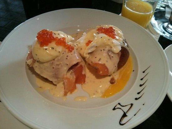 Hotel Berdichevsky : Eggs Benedict