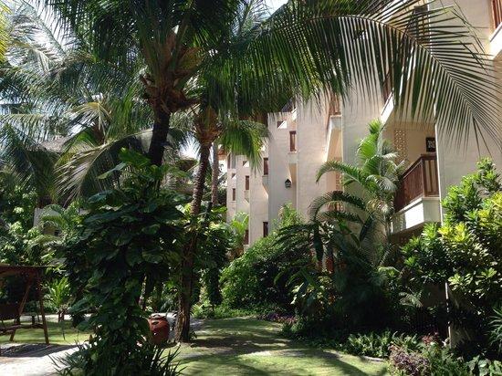Bamboo Village Beach Resort & Spa : Вид на новый корпус