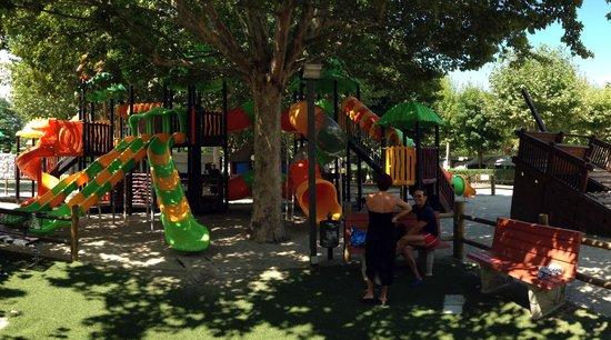Camping Village Lago Maggiore: Children play ground