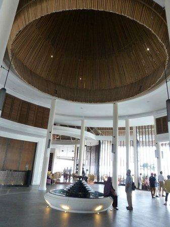 AVANI Sepang Goldcoast Resort: main lobby
